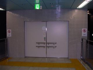 1017higashieki01.jpg